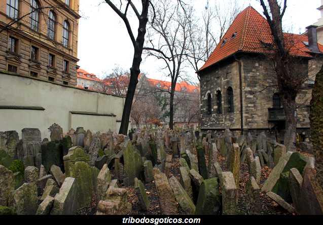 cemiterio goticos judaico lapides sujas fnatasma velho