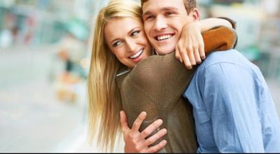 3 Cara Ampuh Bikin Istri Merasa Spesial