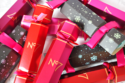 http://www.londonbeautyqueen.com/2015/11/are-beauty-christmas-crackers-new.html?utm_source=feedburner&utm_medium=feed&utm_campaign=Feed%3A+londonbeautyqueen%2FwsSy+%28London+Beauty+Queen%29