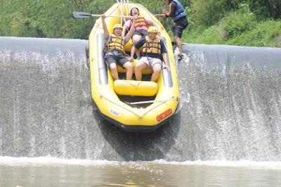 Rafting di Bogor / Arung Jeram di Bogor