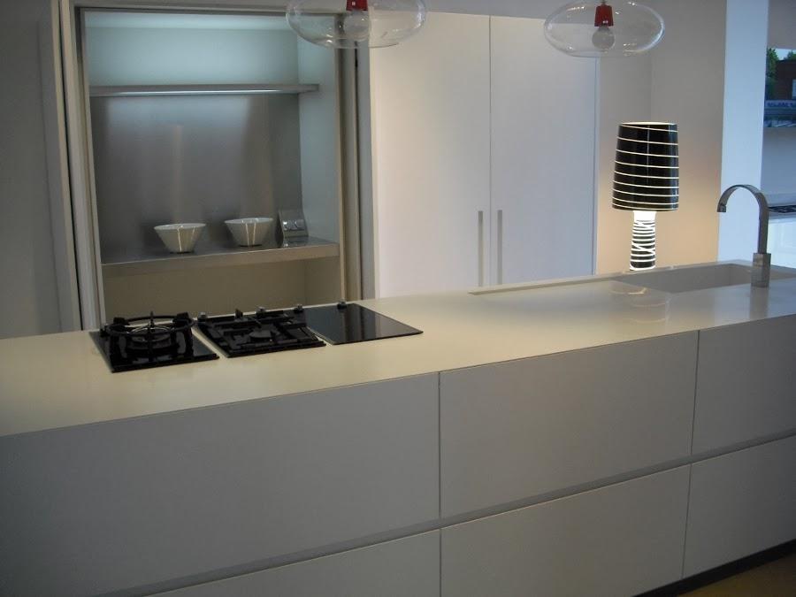 La casa  dove si trova il cuore La cucina e la sala da pranzo Credo che sia un artista