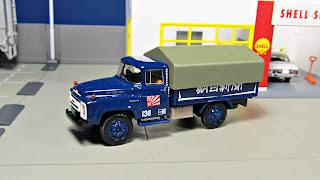 Tomica Limited Vintage LV-62b Nissan 680 Newspaper Transport Truck