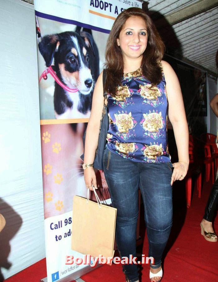 Munisha Khatwani, Sonali Bendre, Kalki Koechlin at Pet Adoption 2013