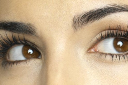 Ternyata Ini Manfaat Minyak Zaitun untuk Lentikkan Bulu Mata