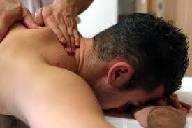 Massagem Relaxante Masculina Feminina - Massagem Terapeutica Massoterapia Quiropraxia em São José SC
