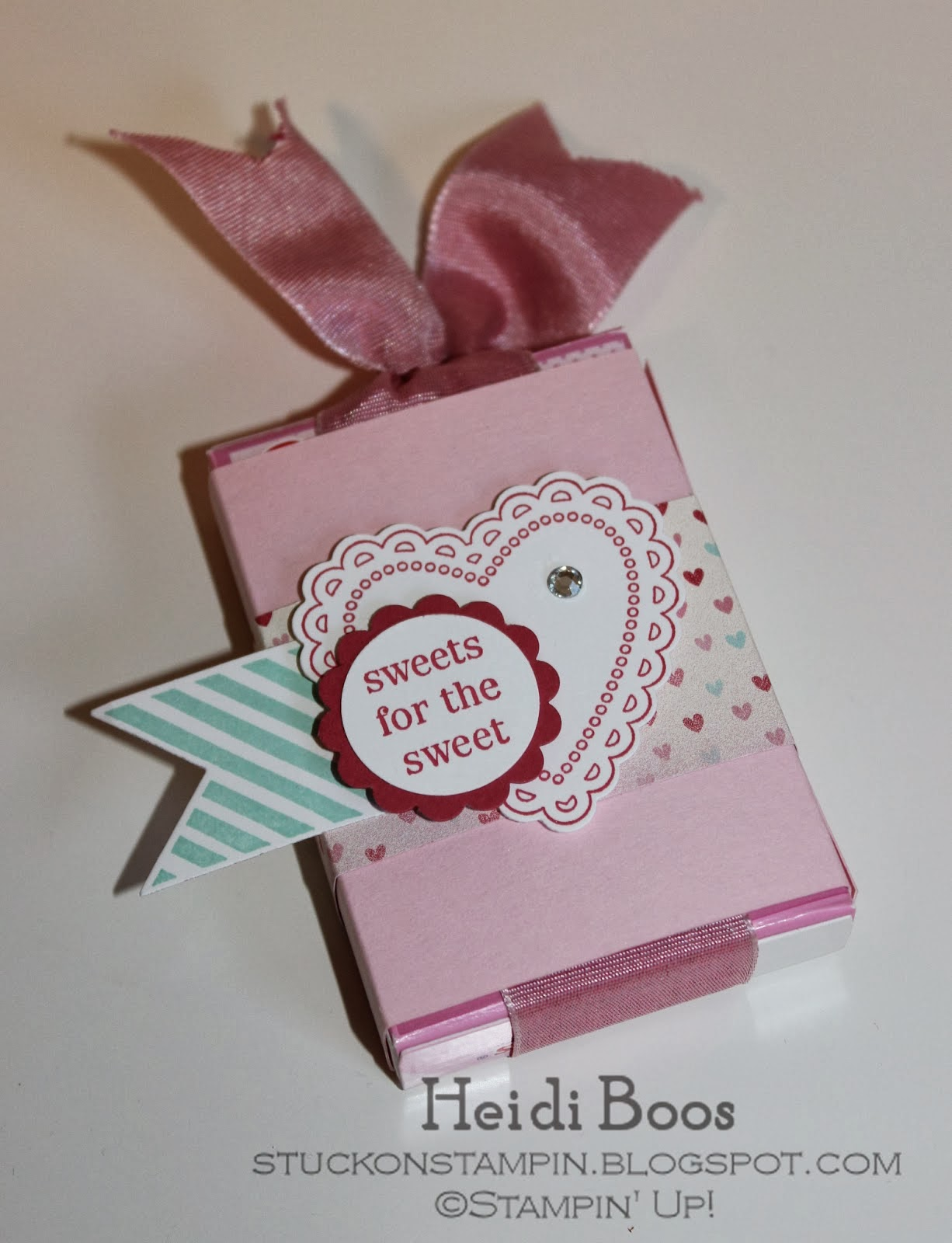http://stuckonstampin.blogspot.com/2013/01/pull-up-sweethearts-candy-box-mini.html