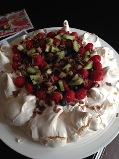 Vanilla Pavlova with fruit and chocolate