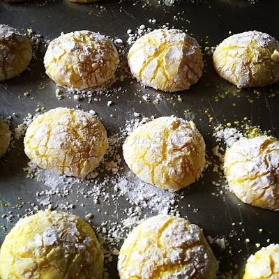 ραγισμένα μπισκότα λεμονιού