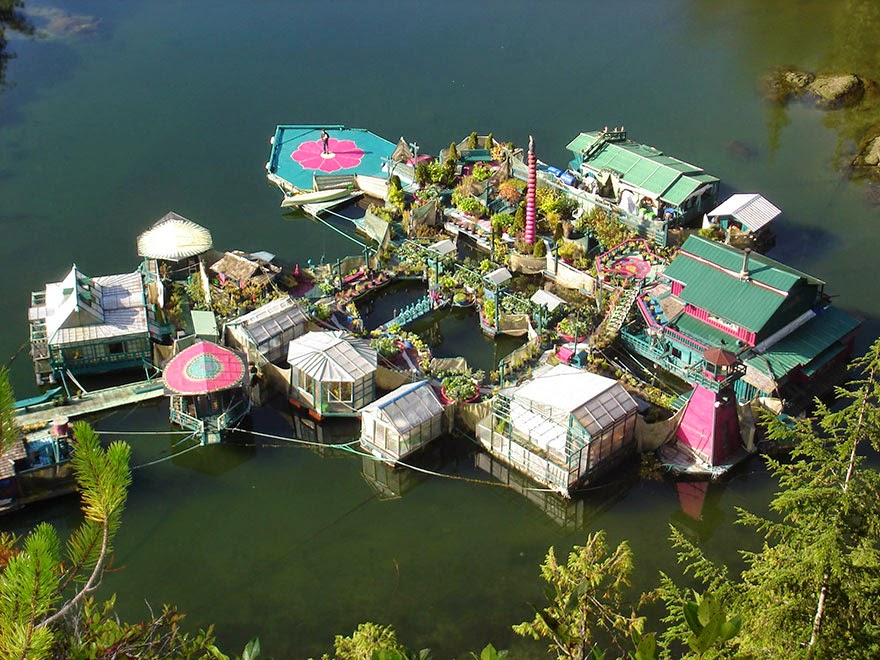 It now has 12 floating platforms - Couple Spends 20 Years Building A Self-Sustaining, Floating Island To Live Off The Grid