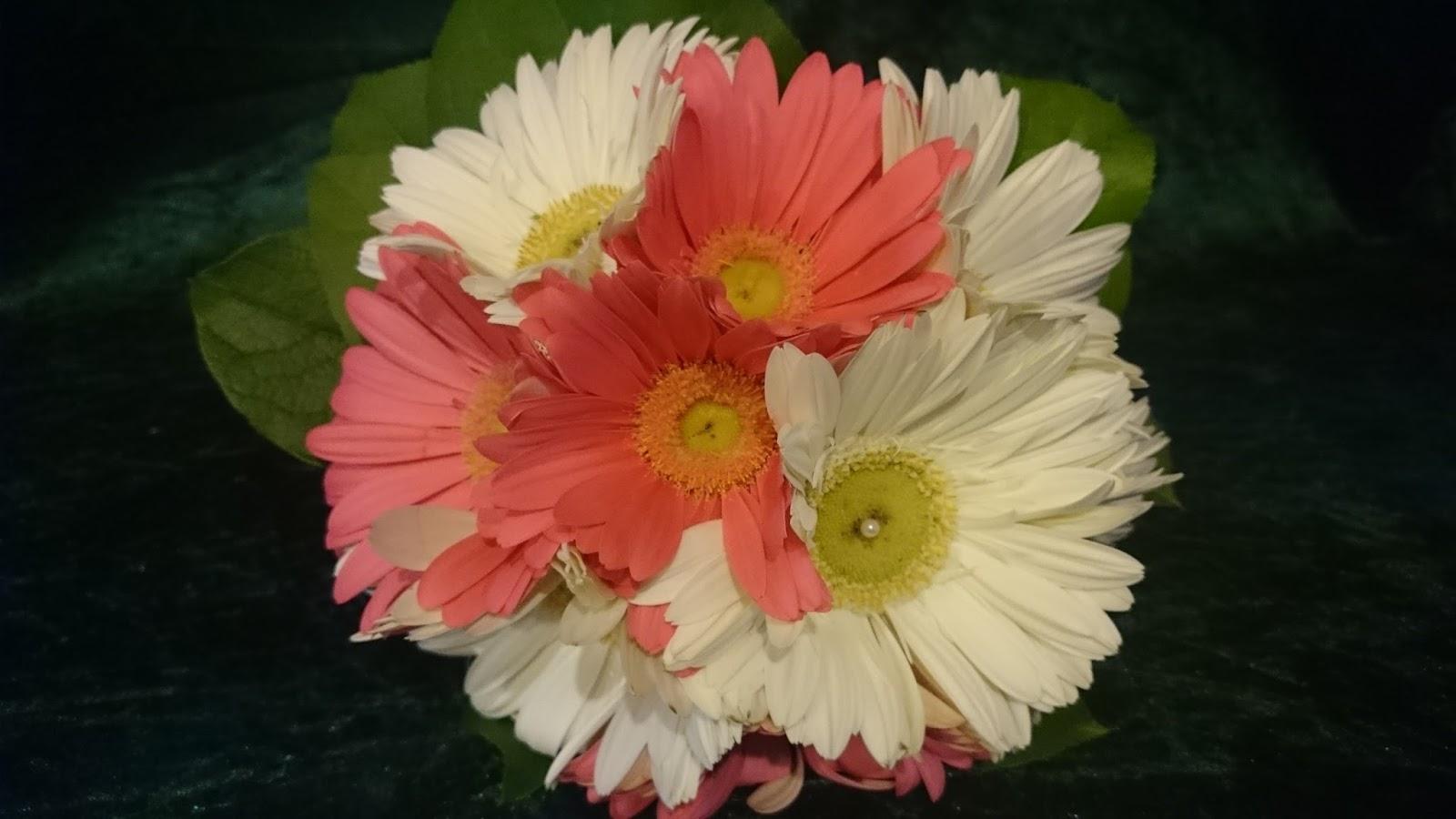 Sandra's Flower Studio: Gerbera Wedding Flowers