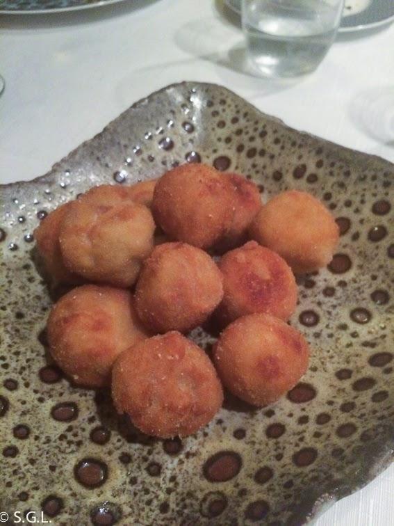 Croquetas de jamon y hongos del restaurante Yandiola en Bilbao