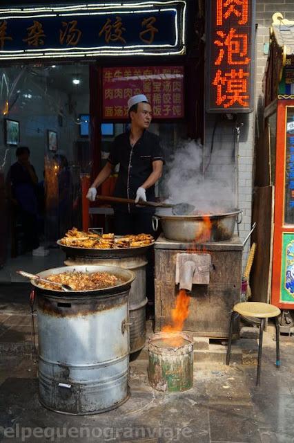 barrio musulman, xian, comida, hombre, cocinando, calle