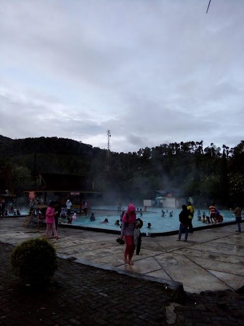 Harga tiket masuk Kolam air panas Walini Ciwidey April 2017