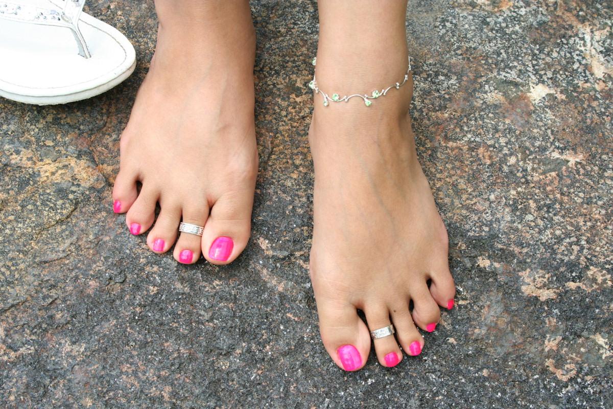 Barefoot nude redhead blowjob
