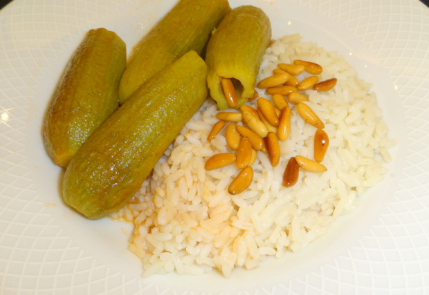 Ablama (Stuffed Zucchini) a serving dish