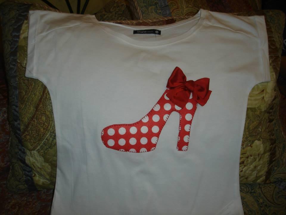 MICA Labores: Camisetas zapatillas converse y tacón de flamenca