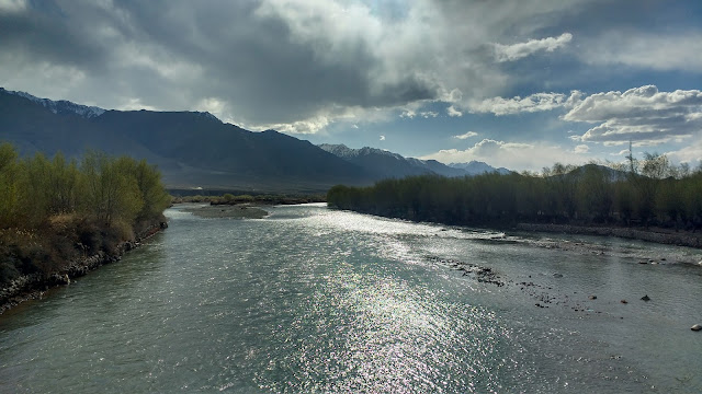Indus River, Leh (View from the bridge)