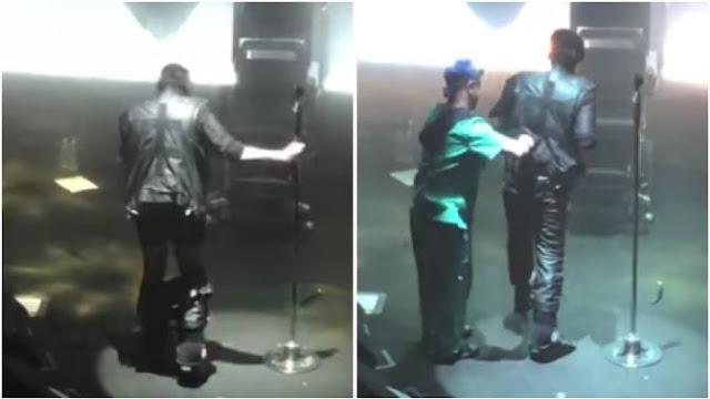 Marilyn Manson perde as calças durante show