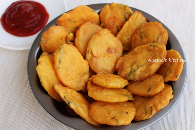 spicy crispy snack with potato and gram flour tasty with tea veg healthy evening snack