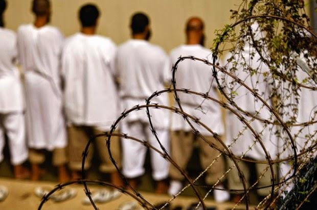 ΣΟΚ – Για πρώτη φορά στη δημοσιότητα η βίαιη σίτιση στο Gitmo (ΒΙΝΤΕΟ)