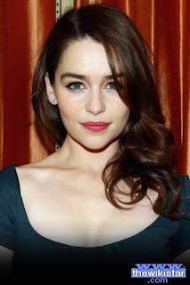 اميليا كلارك (Emilia Clarke)، ممثلة وعارضة أزياء إنجليزية