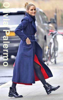 オリヴィア・パレルモ(Olivia Palermo)は、マックスマーラ(Max Mara)のコート、ディオール(Dior)のアンクルブーツを着用。