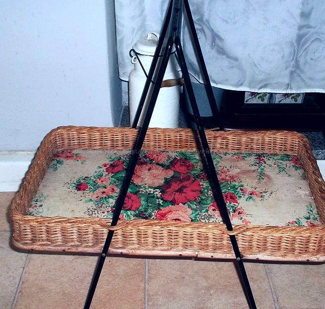 Tablett Tisch mit Fotos bekleben