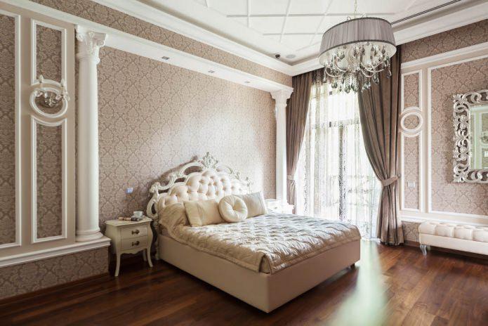 classic style bedroom decor