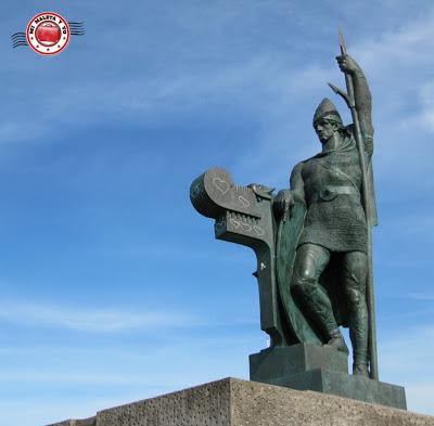 Estatua a Ingólfur Arnarsson en Arnarhóll (Reykjavík)