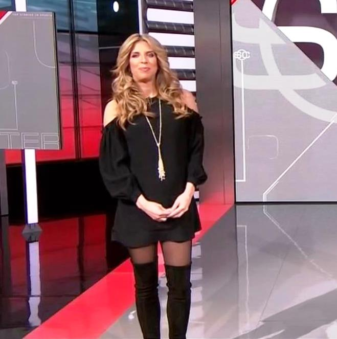 THE APPRECIATION OF BOOTED NEWS WOMEN BLOG : SARA WALSH ...