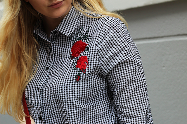 embroidered gingham fashion blog