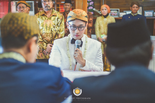contoh foto wedding indoor