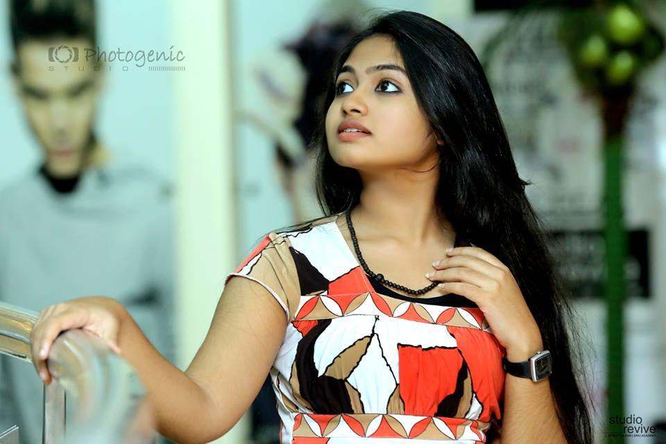 And Serial Actress Shaalin Zoya Aka Shalin Latest Hot And Cute Photos