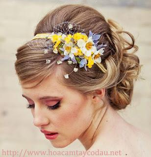 4 mẫu cài tóc cô dâu cho tóc búi đẹp sang trọng và kiêu kì 4