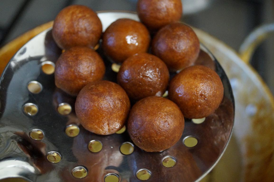 Chocolate Stuffed Gulab Jamun Recipe - How to make Chocolate Gulab ...