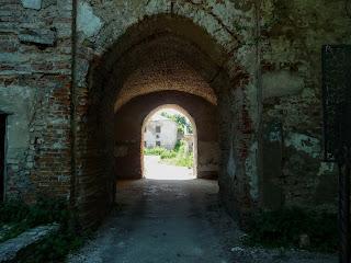Клевань. Замок Чарторийських. В'їзд до замку