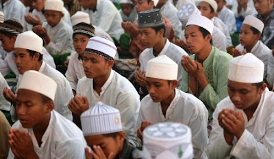 Doa Niat Puasa Ramadhan dan Terjemahannya