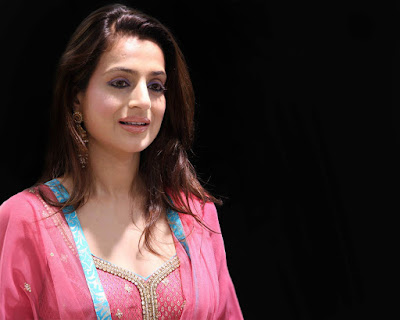 Amisha Patel images free wallpapers download