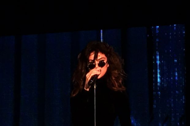 Selena Gomez Pilih Pakaian Hormati Budaya Malaysia