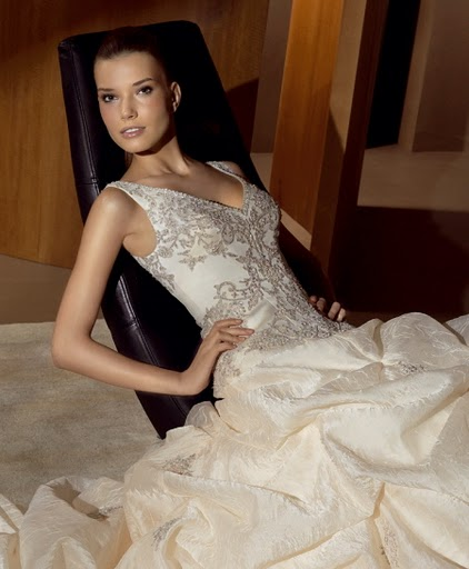 Ruselle's Blog: Bridal Dresses Wallpapers Styles Of 2011