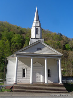 white church in Kentucky with pillars