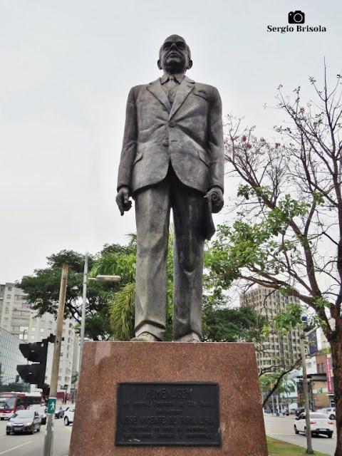 Close-up da Escultura Faria Lima - Jardim Paulistano - São Paulo
