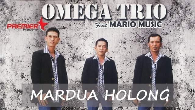 Omega Trio - Mardua Holong dan Terjemahannya