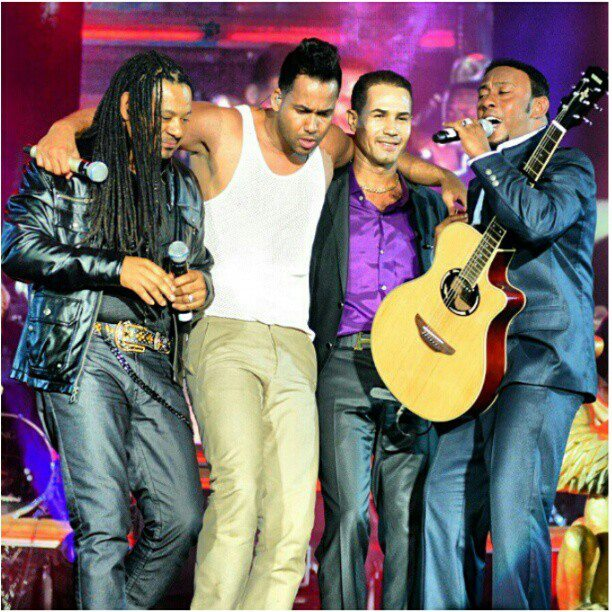 Pictures Of Romeo Santos Y Su Novia Rock Cafe