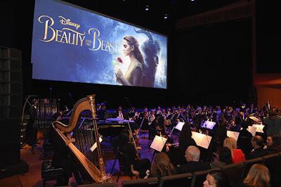 """Ada Adegan Sesama Jenis, Film """"Beauty and The Beast"""" Dilarang di Malaysia"""