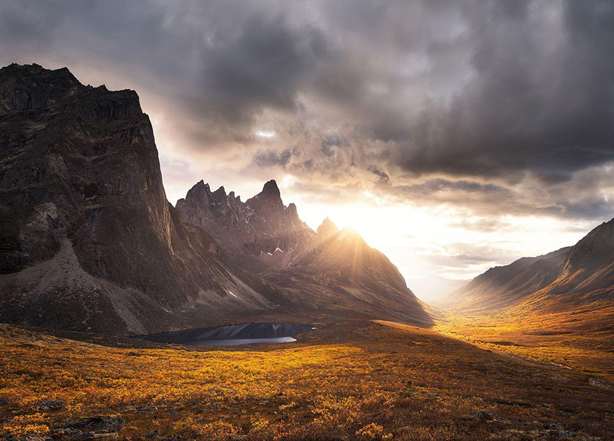 These Are The 35 Best Pictures Of 2016 National Geographic Traveler Photo Contest - Tombstone Impression, Yukon, Canada