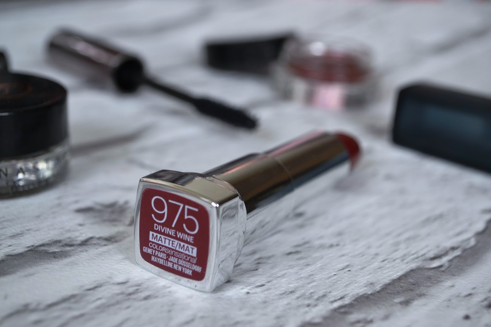 Maybelline Color Sensational Matte Lipsticks: Divine Wine 975