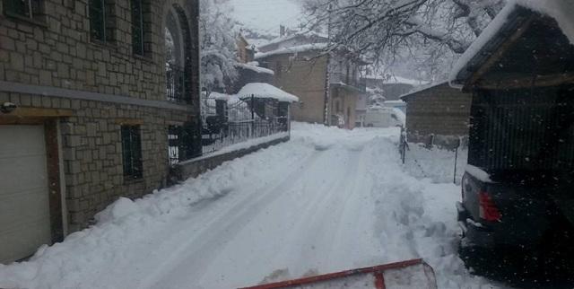 Η «Ιοκάστη» παγώνει τη χώρα συνεχίζουν το ηλίθιο μοτίβο να δίνουν ονόματα στο καιρό- Πυκνό χιόνι σε Μέτσοβο και Τζουμέρκα