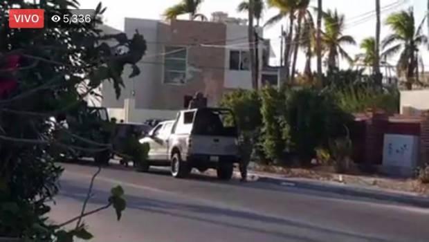 Videos: Captan tremenda balacera por mas de 30 minutos entre Sicarios vs Federales y Estatales