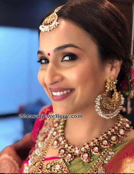 Soundarya Rajinikanth Mango Necklace